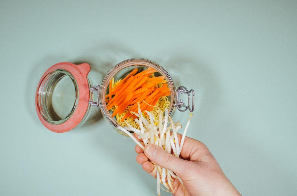 Karotten-Stifte; rein damit