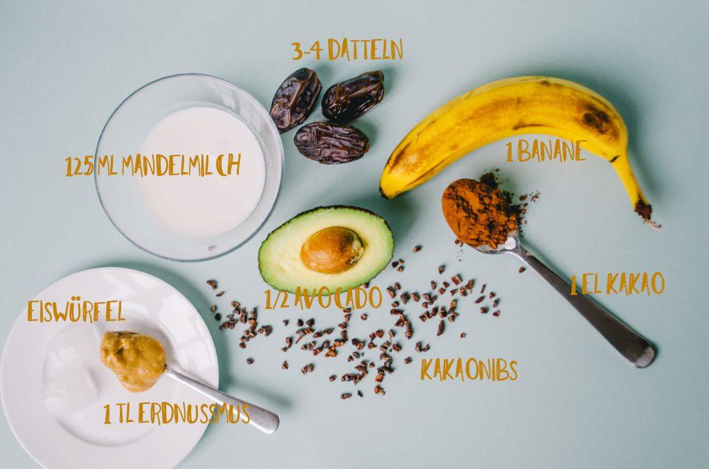 Banane, Datteln, Mandelmilch, Kakao, Kakaonibs, Avocado, Peanutbutter, Erdnussmus, Eiswürfel